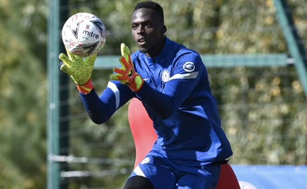 Édouard Mendy titulaire dans les buts de Chelsea contre Tottenham — League Cup
