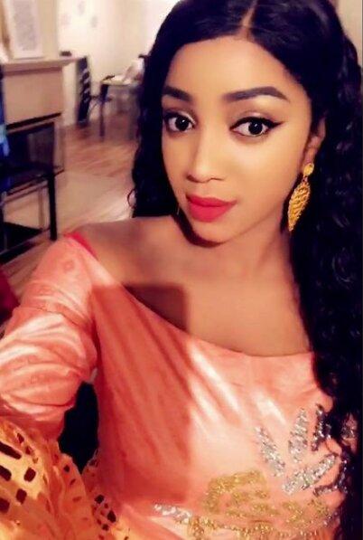 (Photos) Fatima Zahra, la charmante épouse de Prince Mbacké toute charmante, dégage une forme pétillante…