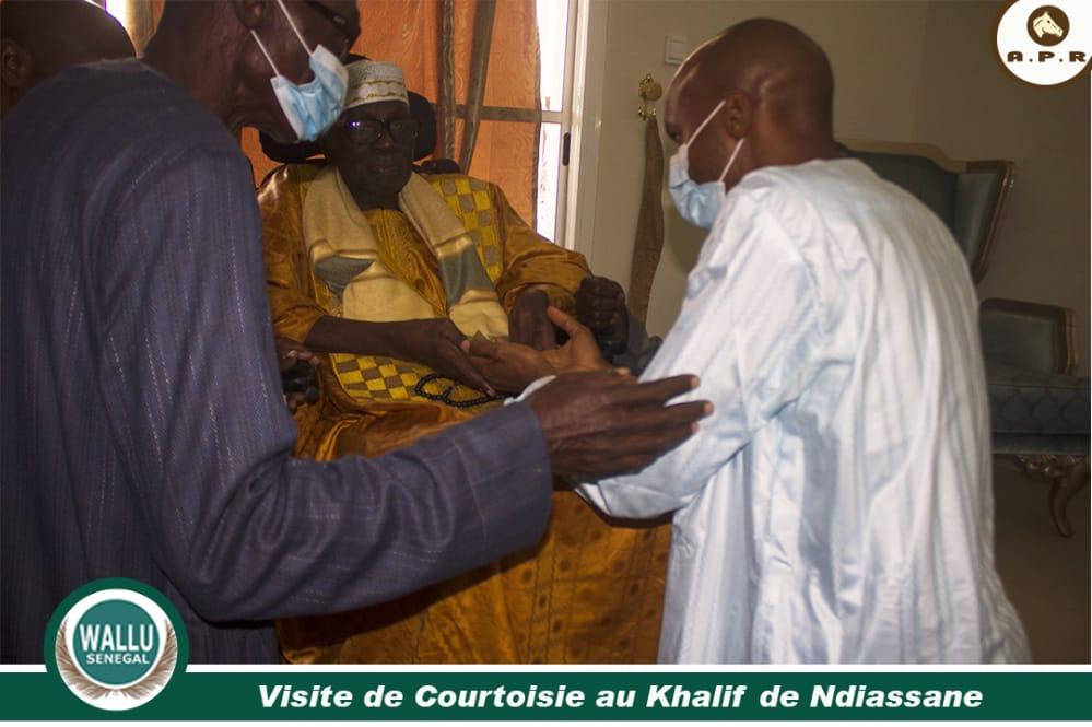 10 Photos – Visite de courtoisie : Monsieur Amadou Diallo, membre des cadres de L'APR et président de Wàllu Sénégal rend visite au Khalife Général de Ndiassane
